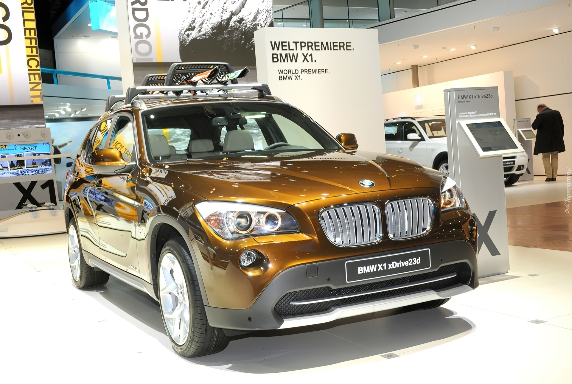 premiera bmw x1. Black Bedroom Furniture Sets. Home Design Ideas