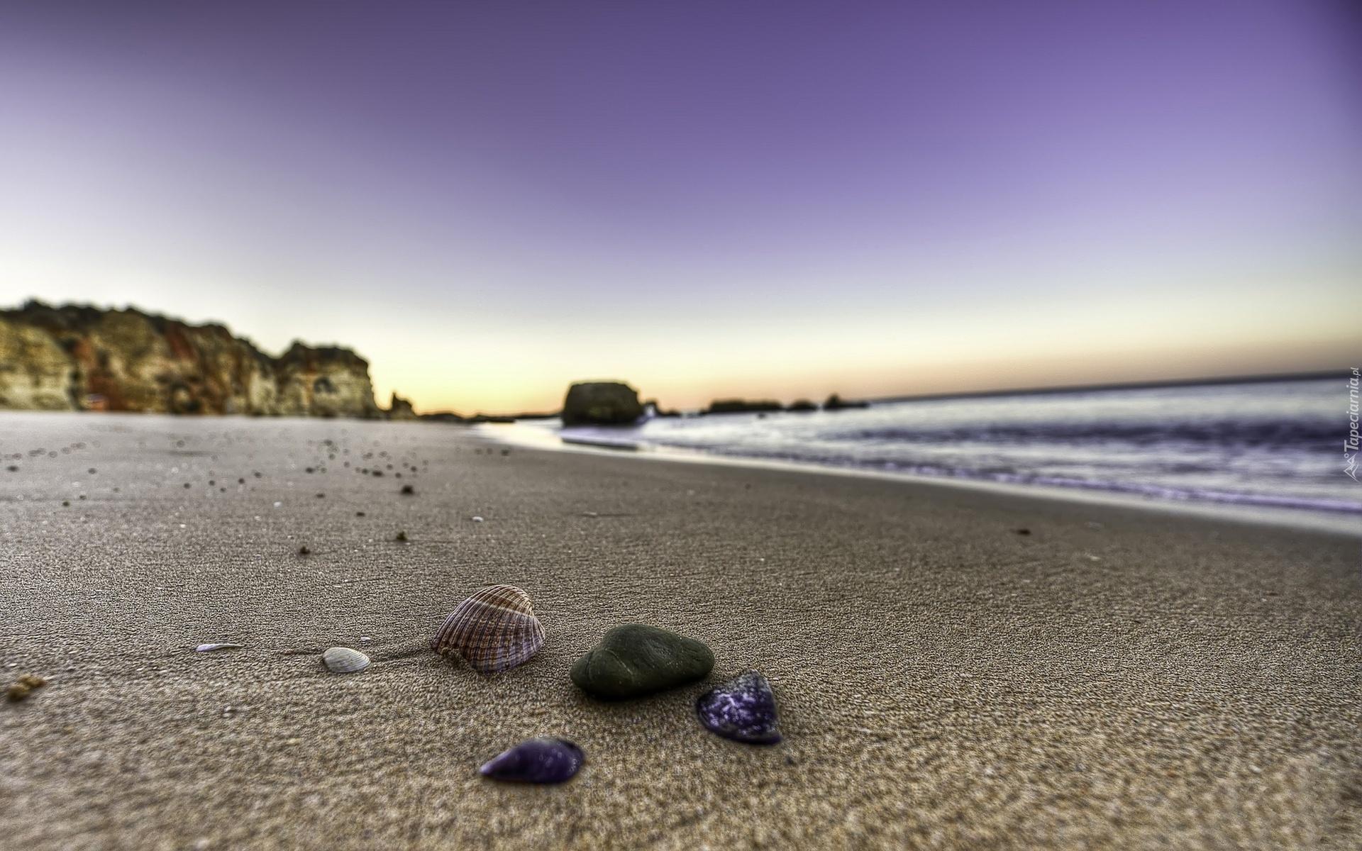 пляж берег камни море  № 1955935 бесплатно