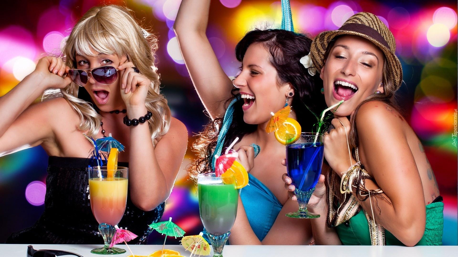 Секс девочками на вечеринке 3 фотография