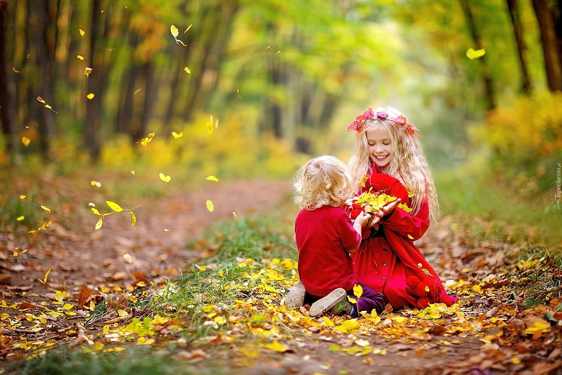 С сестрой в лесу 16 фотография