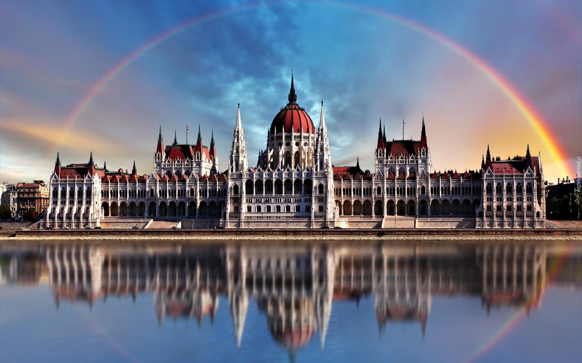 [Obrazek: 222328_wegierski_parlament_budapeszt_wegry_tecza.jpg]