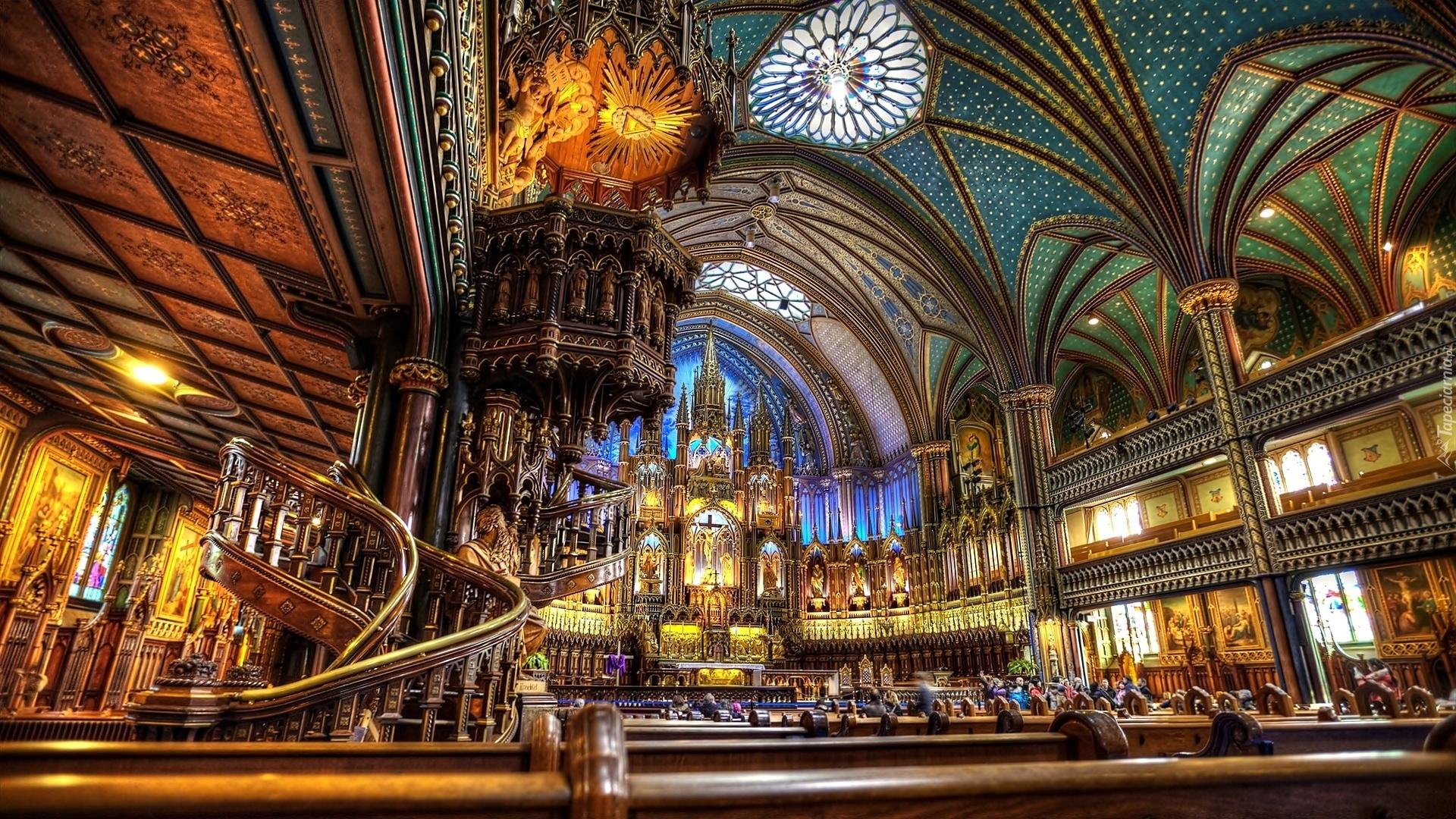 Très Notre Dame, Wnętrze RZ43