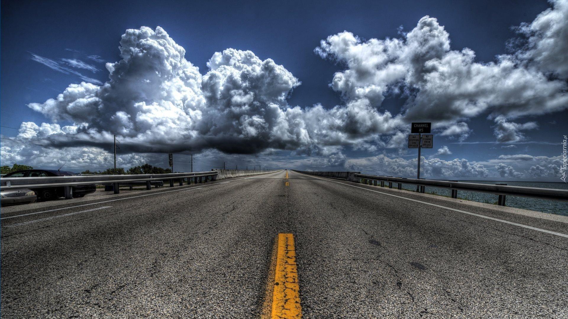 Ulica, Chmury