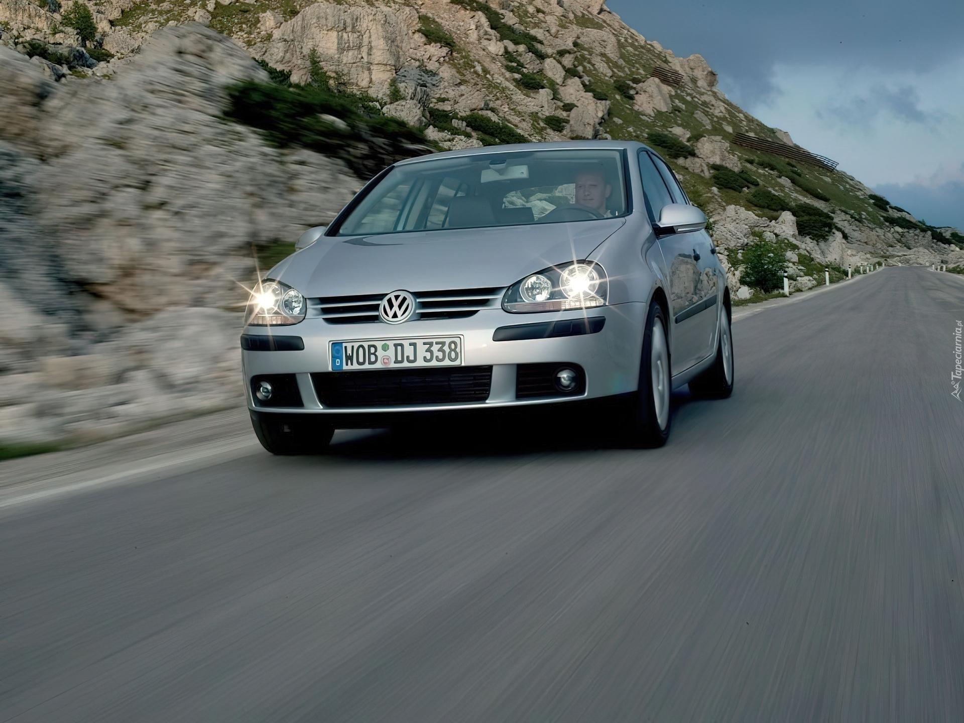 Фото Volkswagen Golf - картинки.