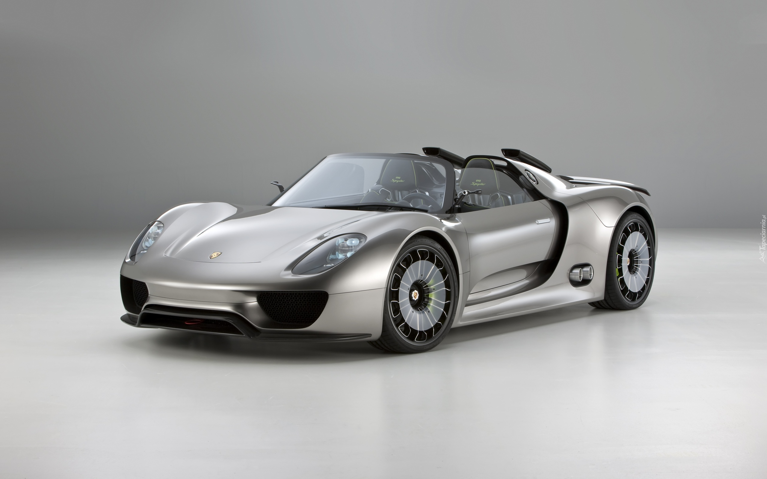 srebrne porsche 918 spyder concept. Black Bedroom Furniture Sets. Home Design Ideas