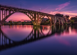 Stany Zjednoczone, Stan Alabama, Gadsden, Most Coosa River Memorial Bridge, Rzeka Coosa River, Odbicie
