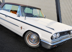 Ford Galaxie 500 z 1963 roku
