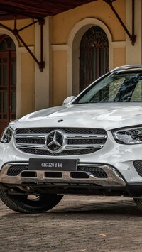 Mercedes-Benz GLC 220 przodem