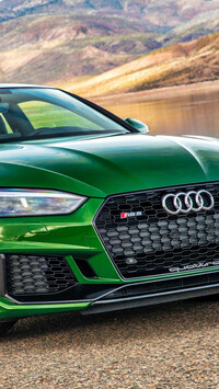 Zielone Audi RS5 Coupe