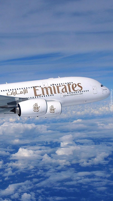 Airbus A380 w chmurach