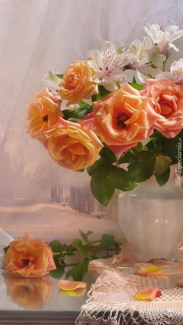 Alstremerie i róże w dzbanku