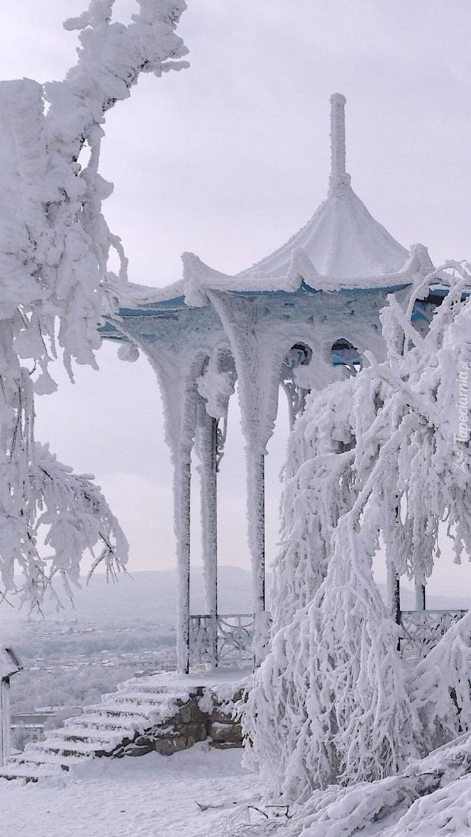 Altana w śniegu