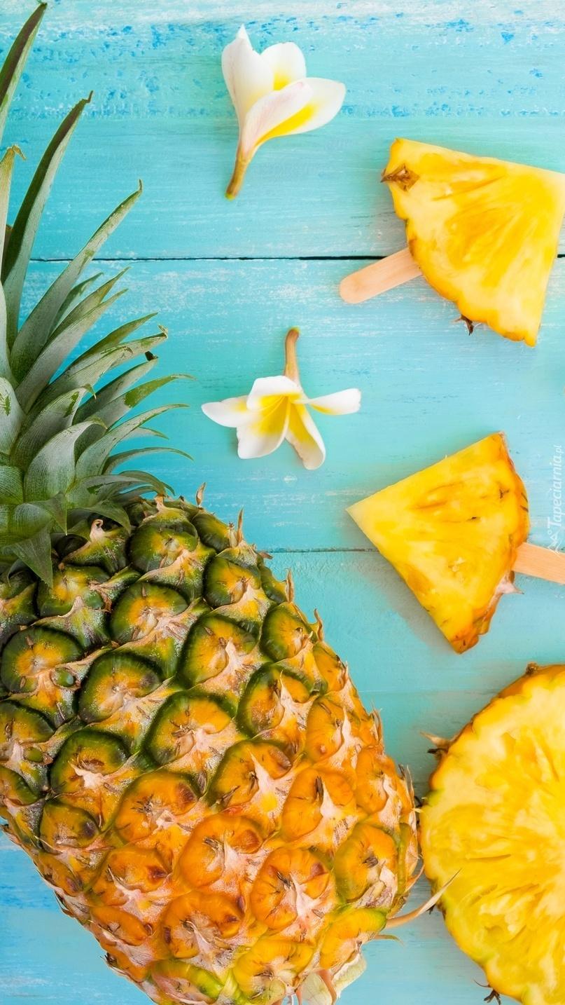 Ananas i plumeria