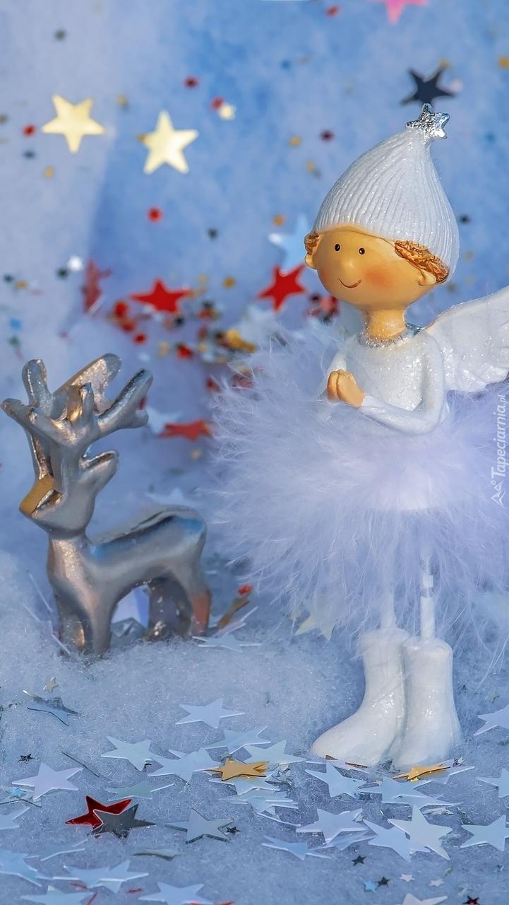 Aniołek z jelonkiem wśród gwiazdek