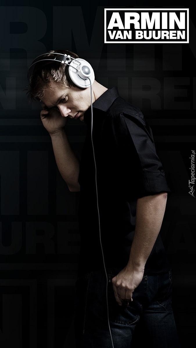 Armin van Buuren w słuchawkach