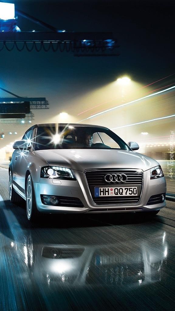 Audi A5 w porcie