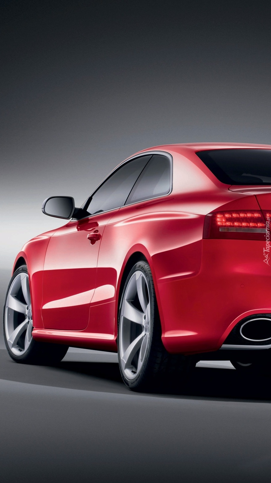 Audi w strażackim kolorze