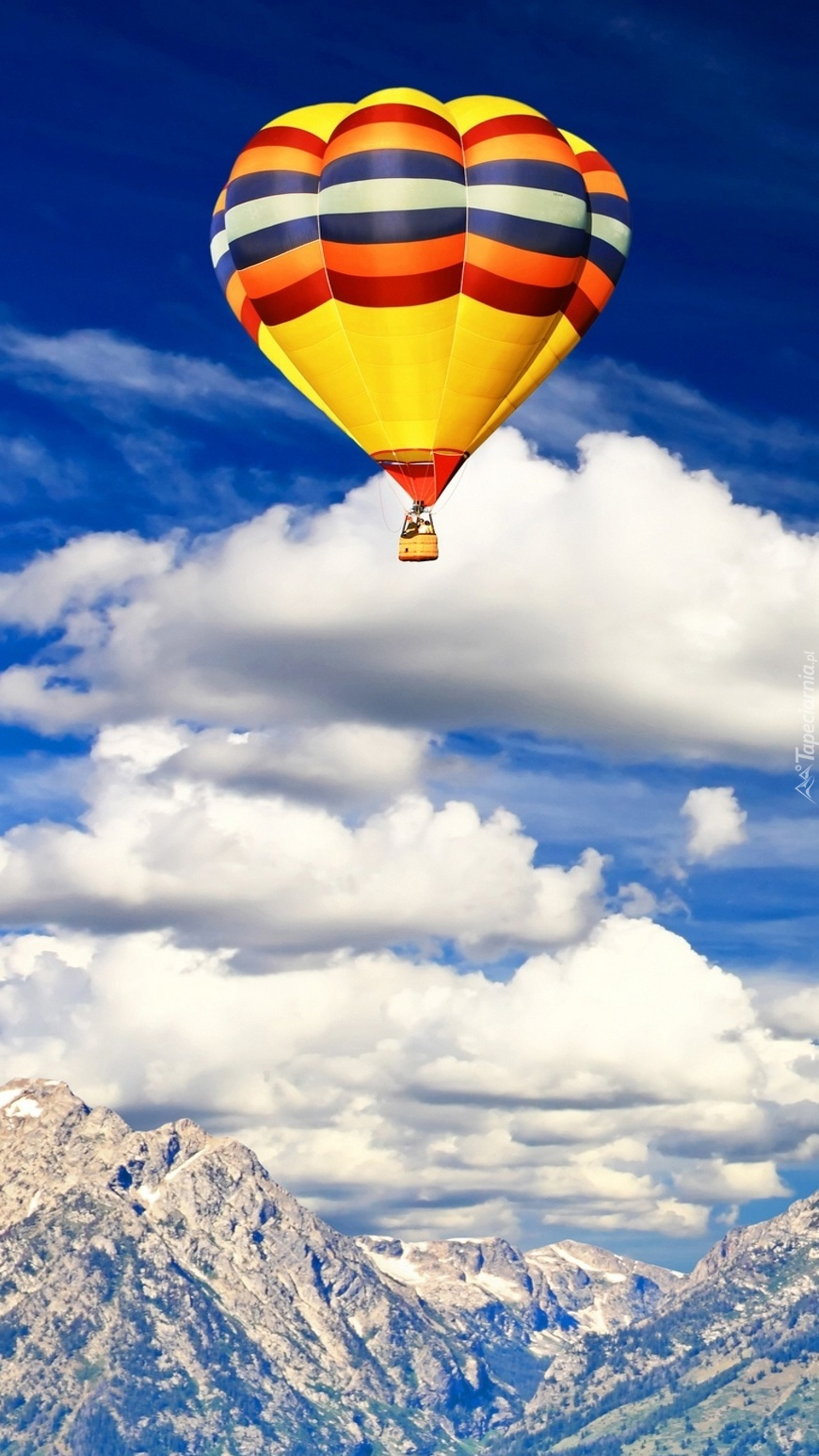 Balon nad górami