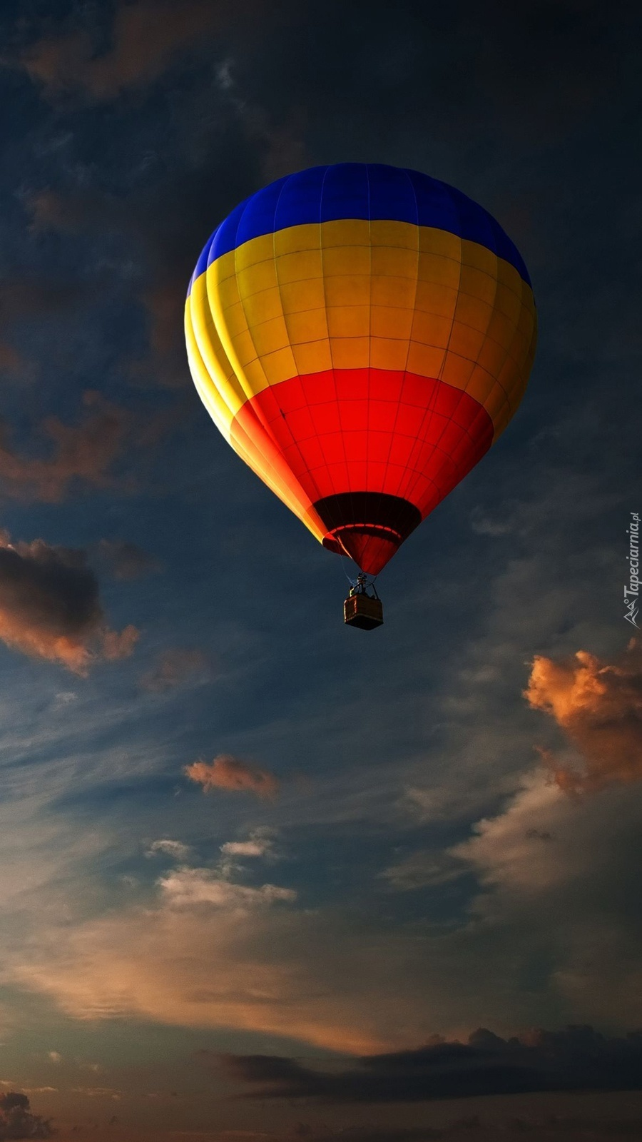 Balon w chmurach