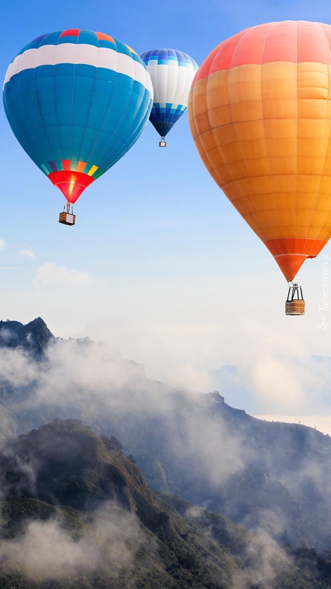 Balony nad górami