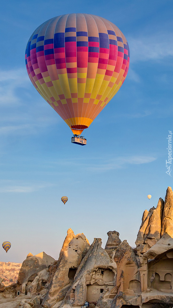 Balony nad skałami Kapadocji