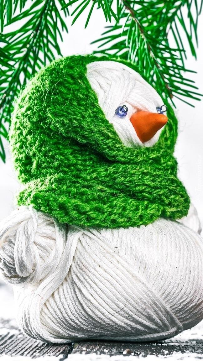 Bałwanek w zielonym szaliku