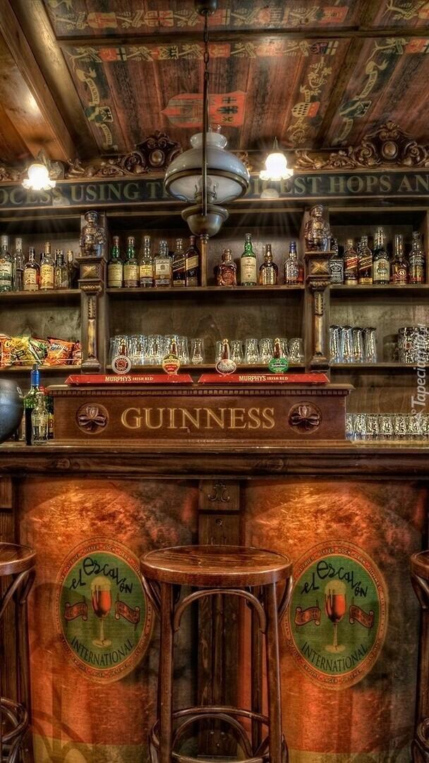 Bar z alkoholami