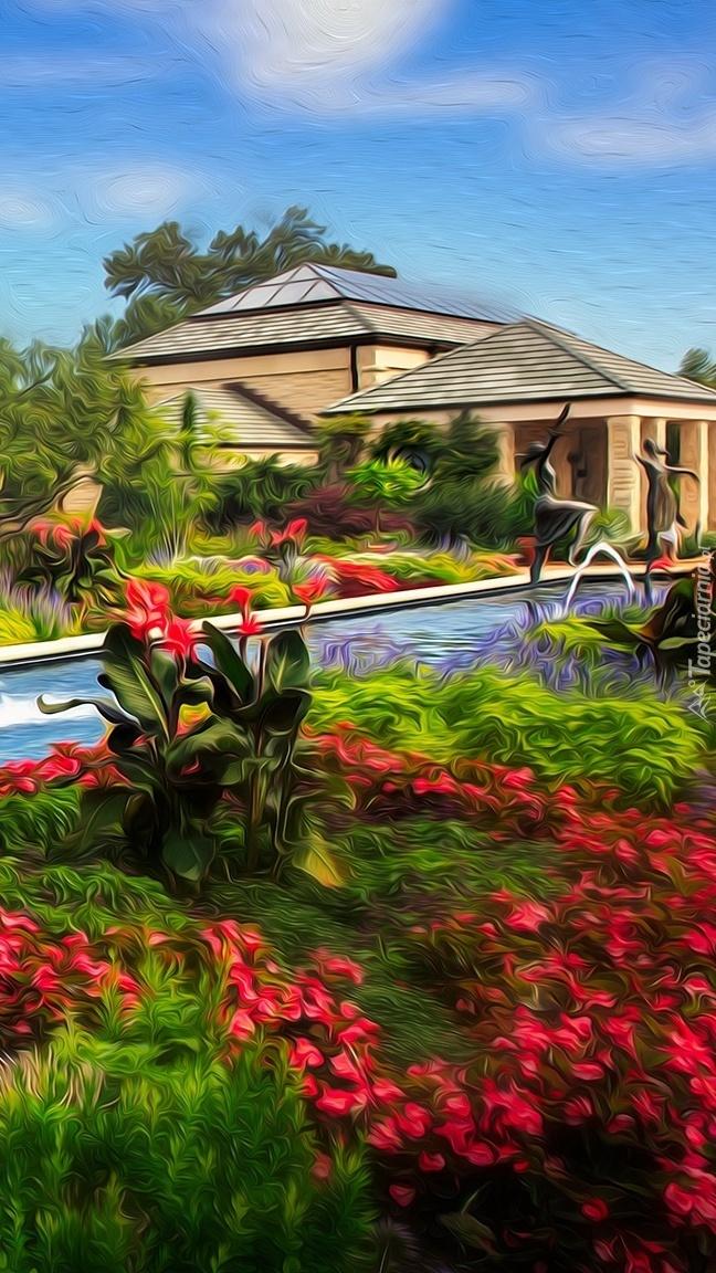Basen i ogród przed domem