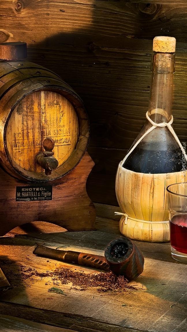 Beczułka i butelka z winem