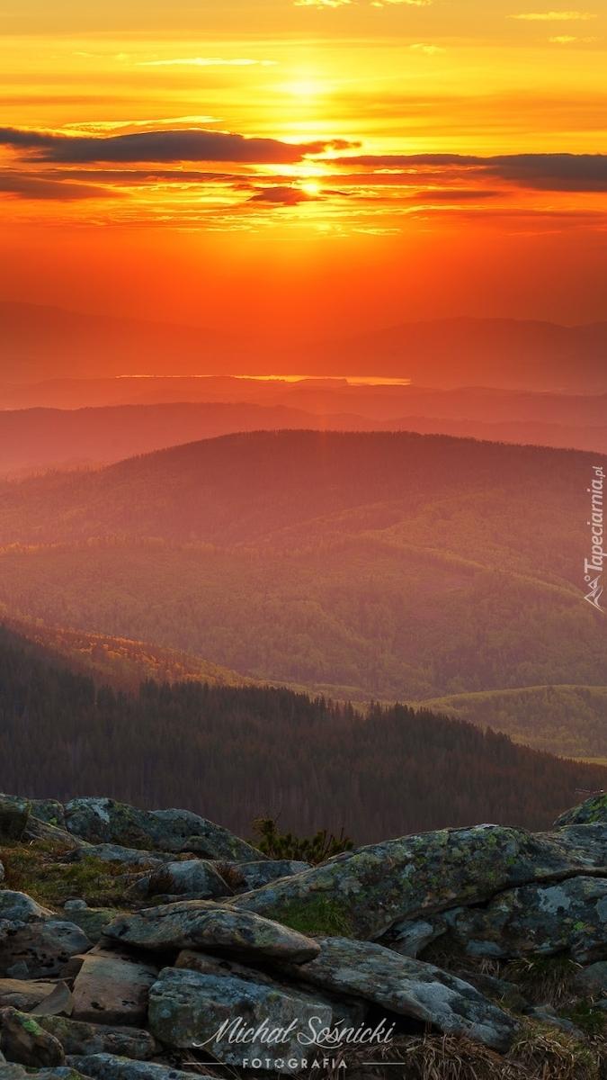 Beskidy o zachodzie słońca