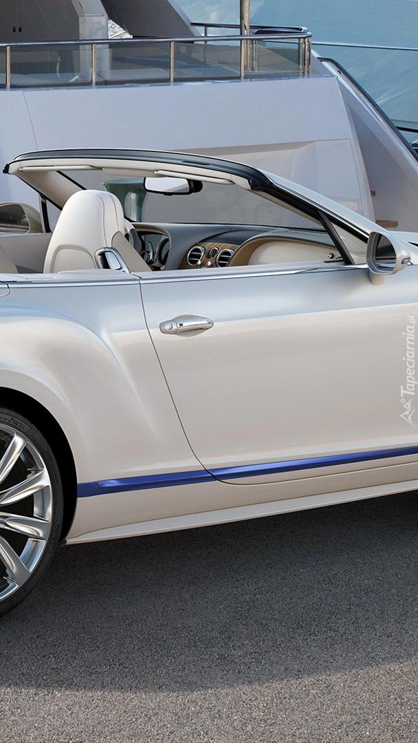 Biały Bentley Continental GT