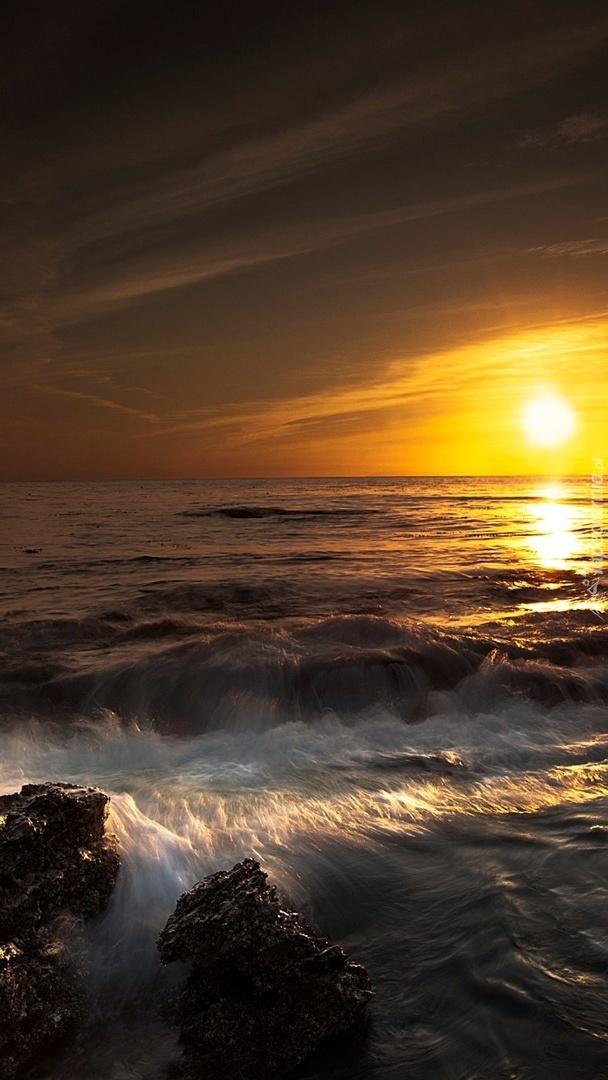 Blask zachodzącego słońca