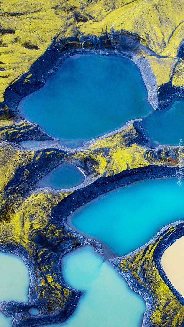 Błękitne jeziora z lotu ptaka