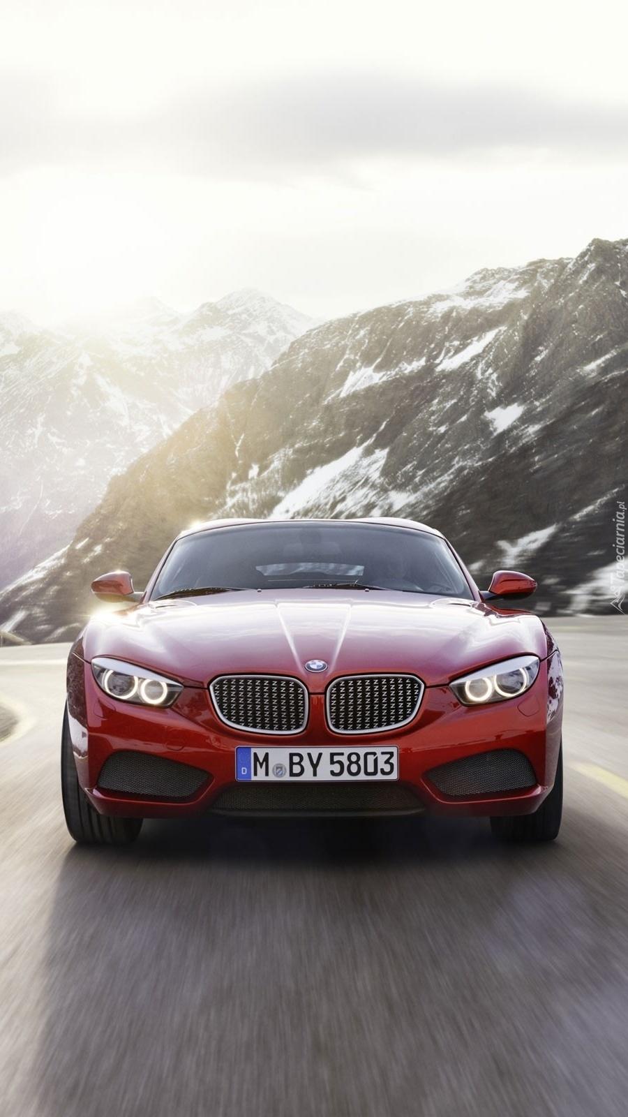 BMW na górskiej trasie