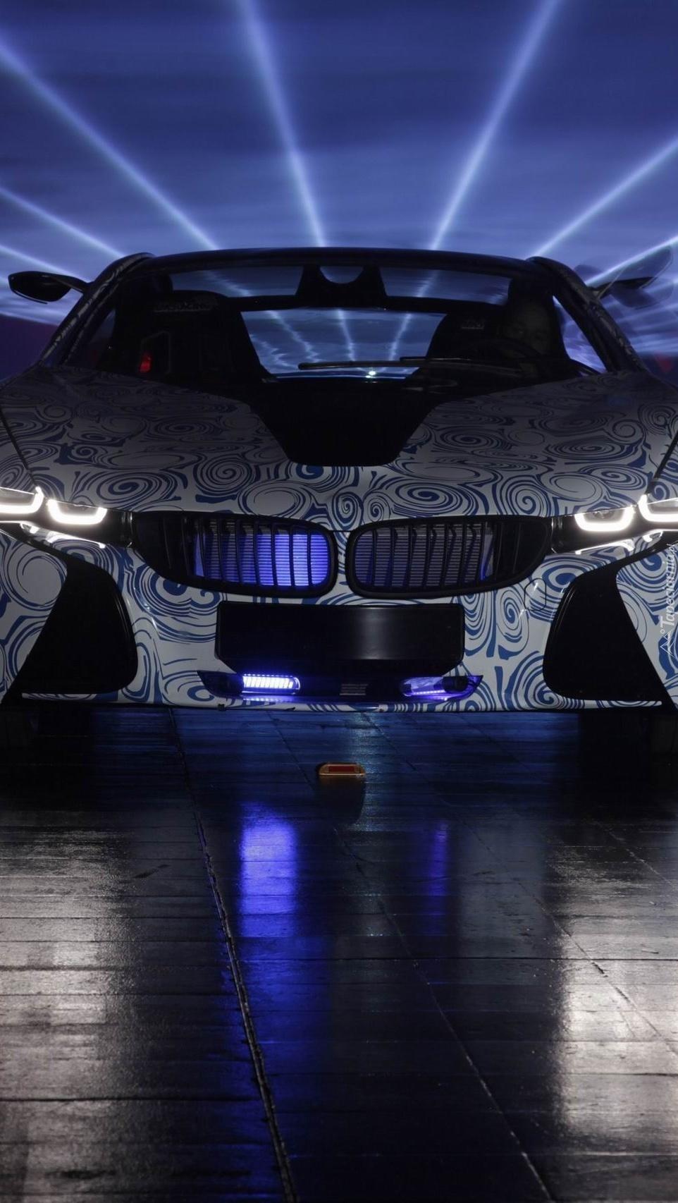 BMW w światłach