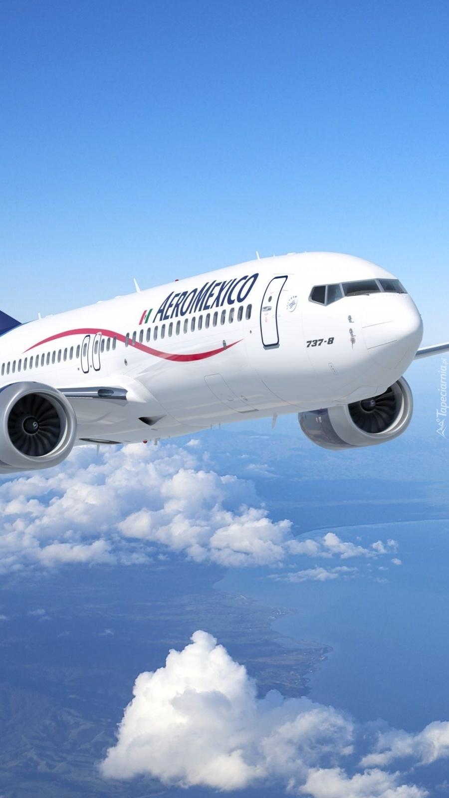 Boeing w chmurach
