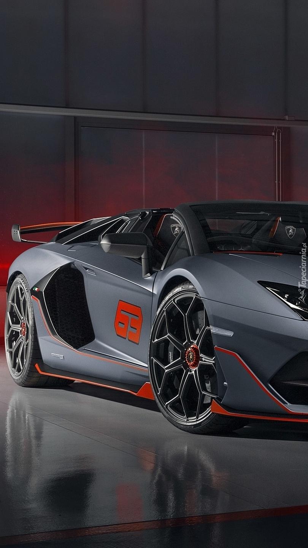 Bok Lamborghini Aventador SVJ 63