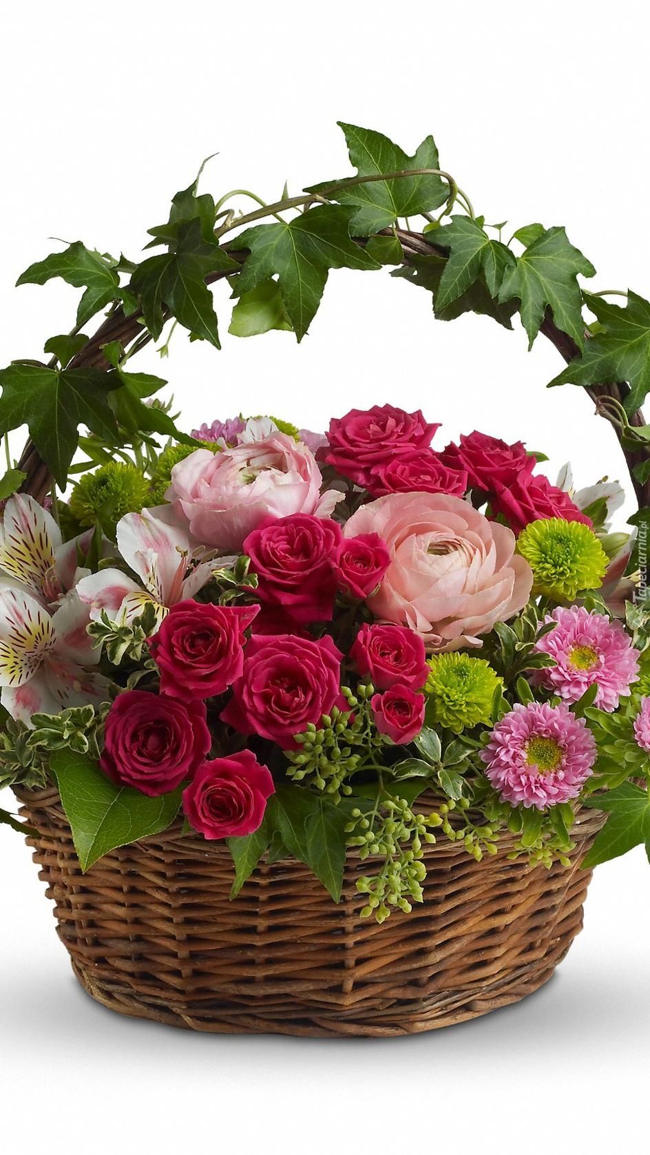 Bukiet kwiatów w koszu