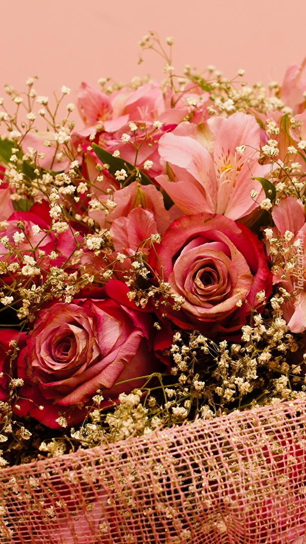 Bukiet róż i alstremerii