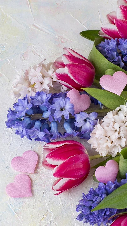 Bukiet tulipanów i hiacyntów z serduszkami