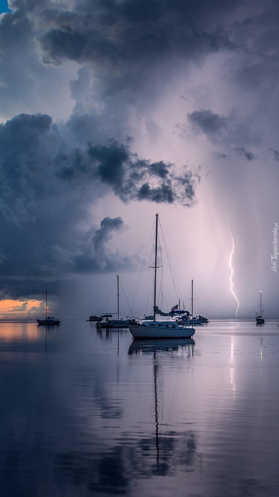 Burza nad portem jachtowym