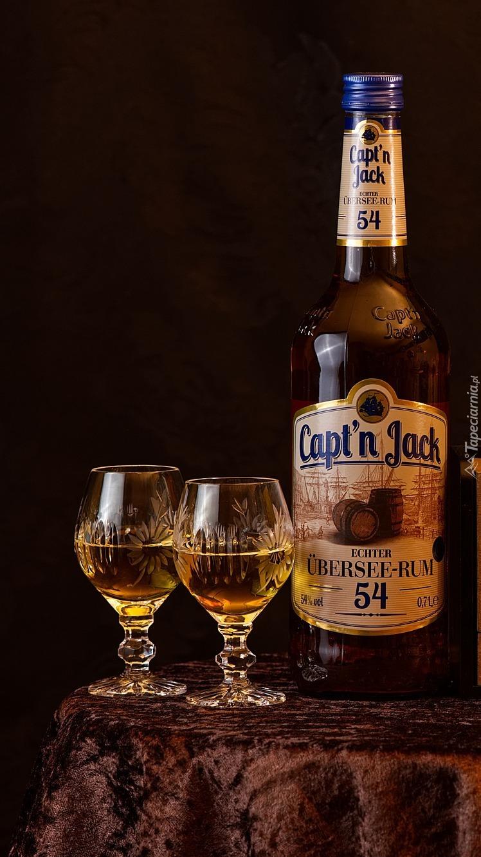Butelka z rumem