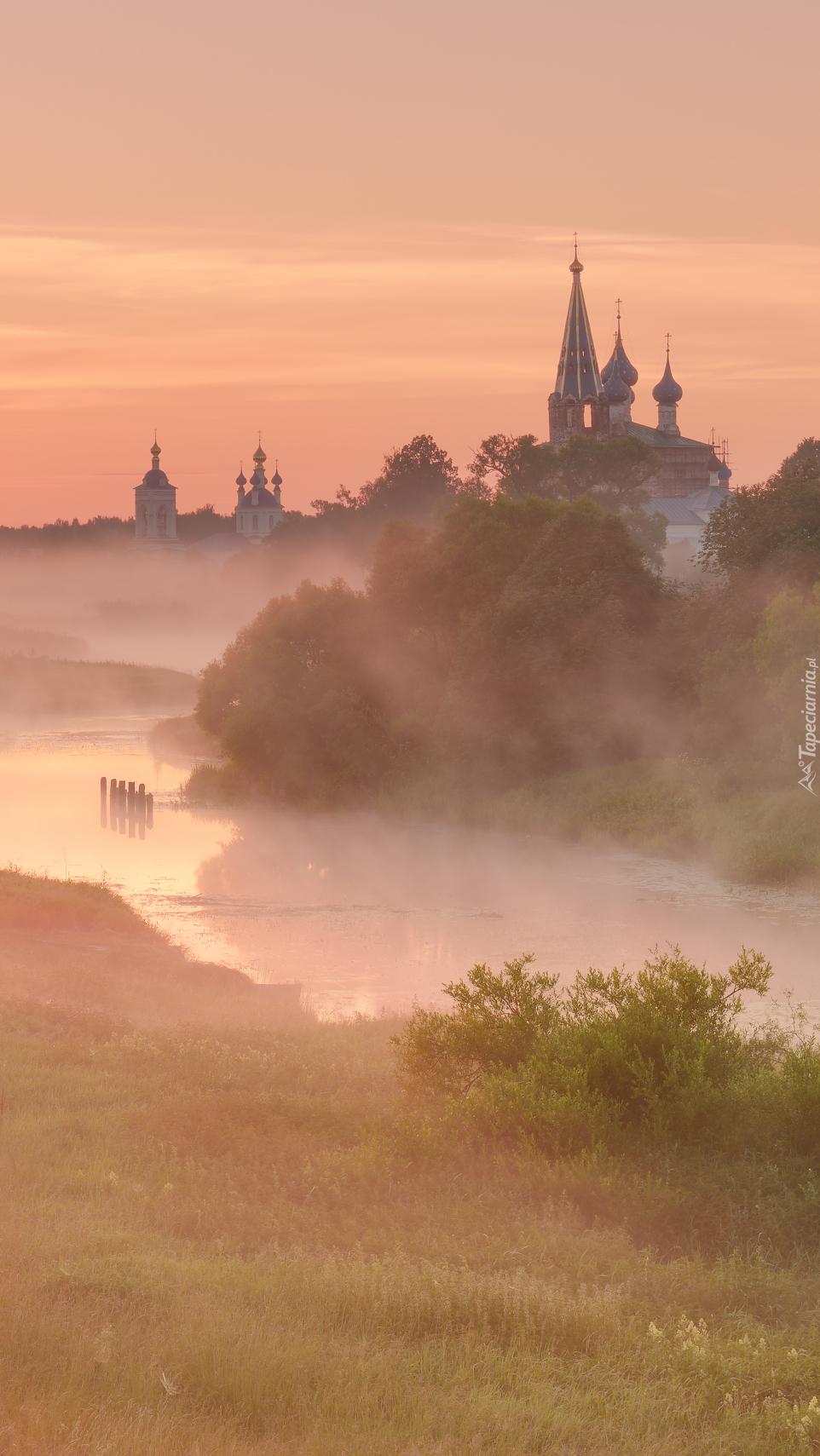 Cerkiew nad rzeką Teza
