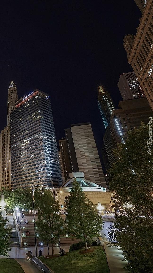 Chicagowskie wieżowce nocą