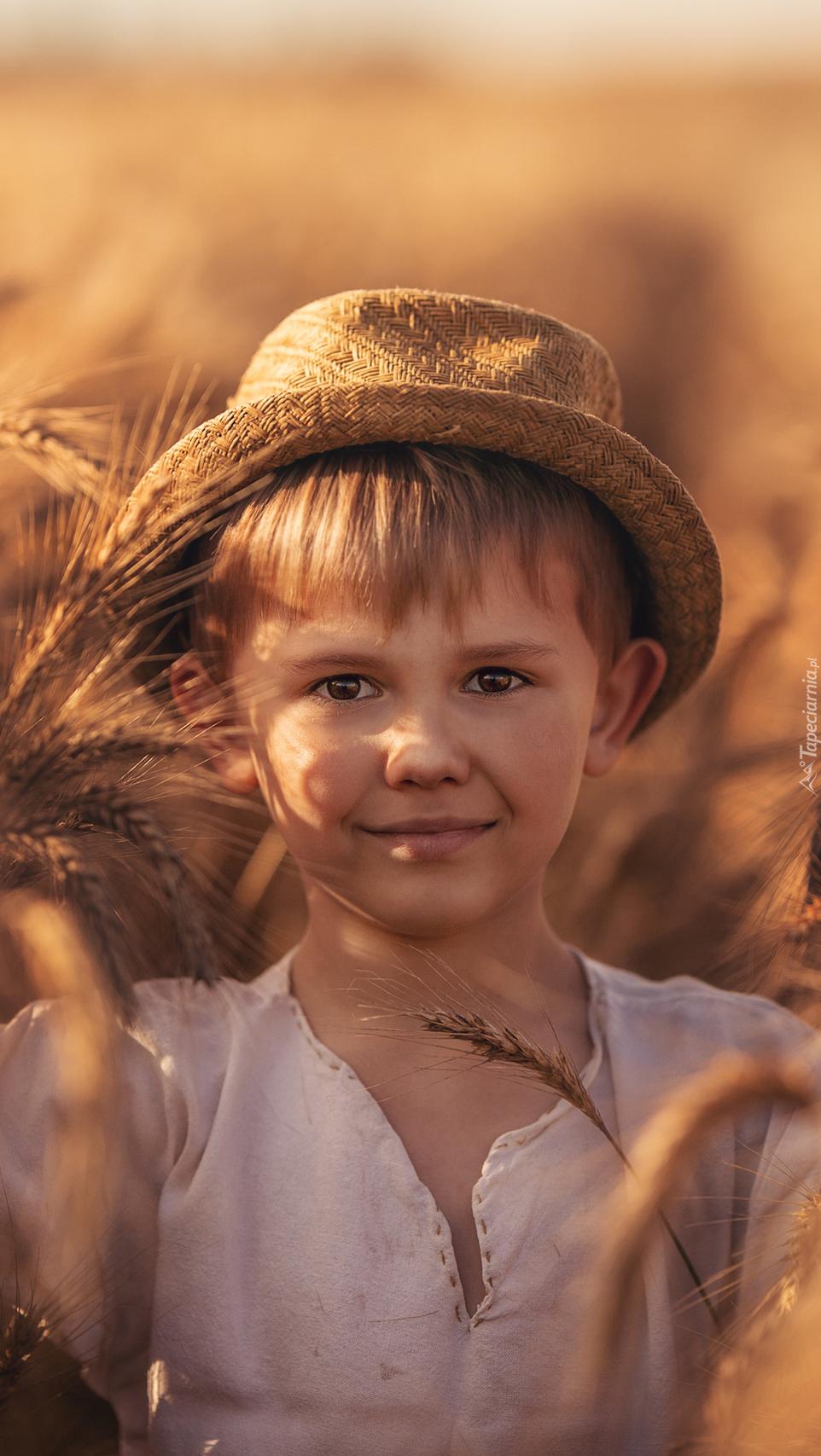 Chłopiec w kapeluszu