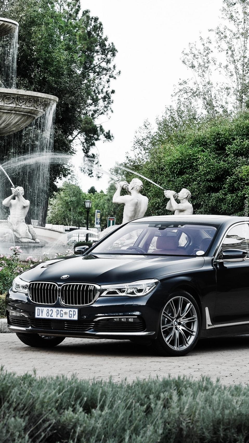 Czarne BMW 7 G11