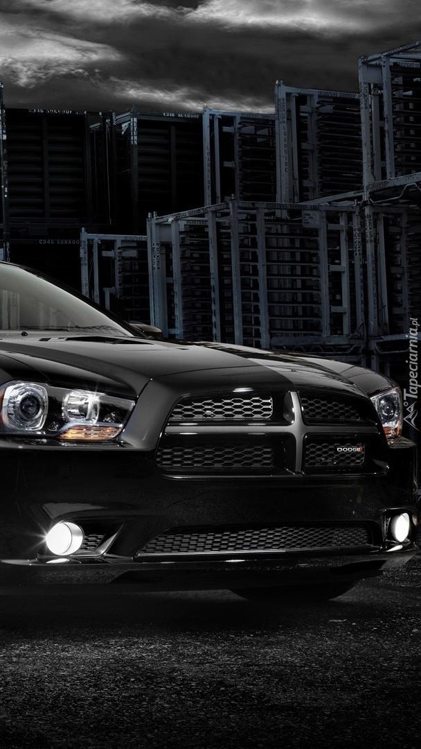 Czarny Dodge Charger