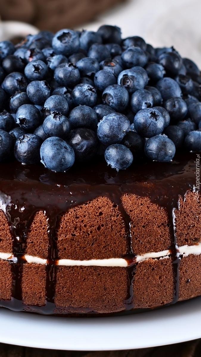 Czekoladowe ciasto z borówkami
