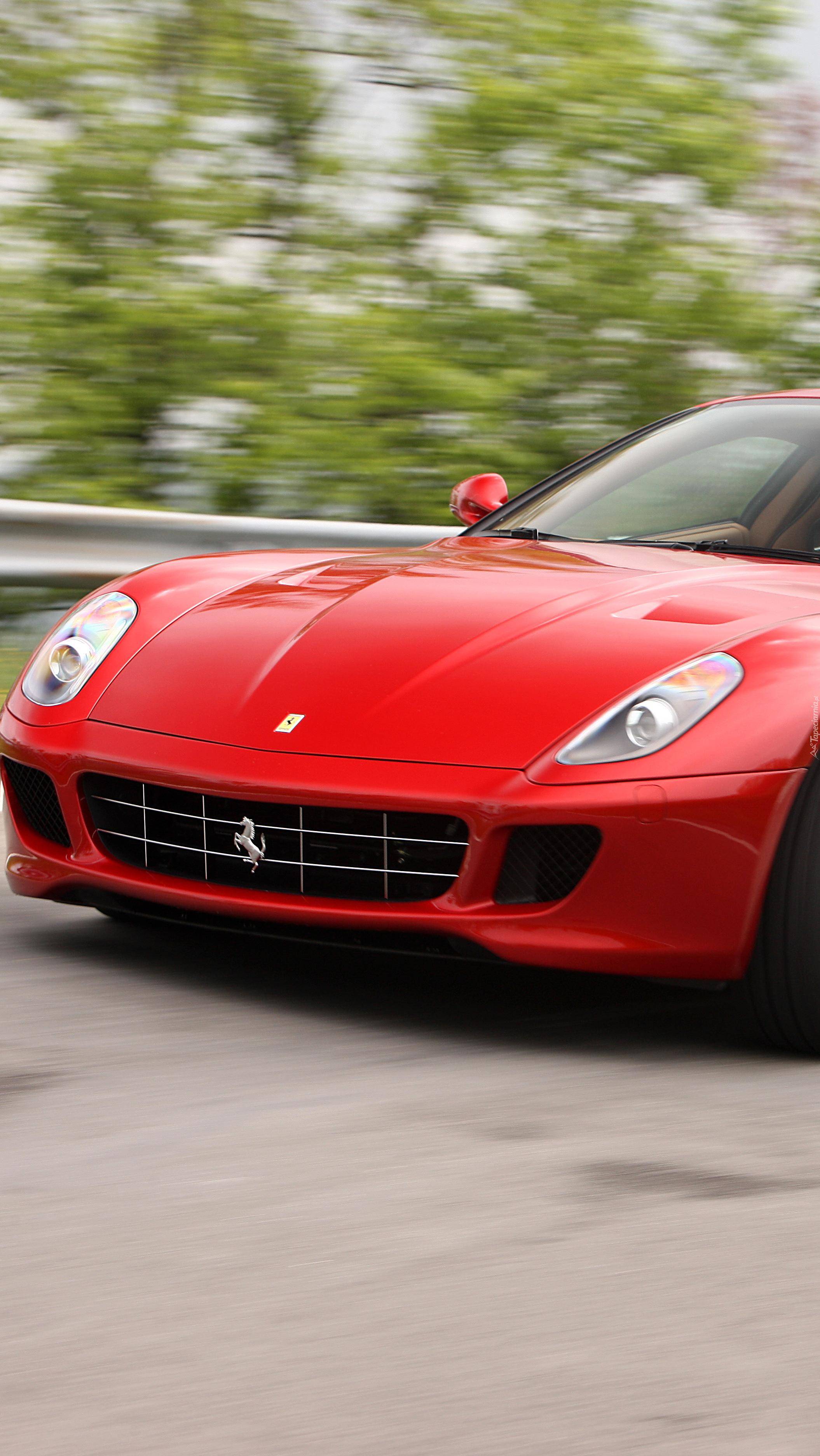 Czerwone  Ferrari 599 GTB