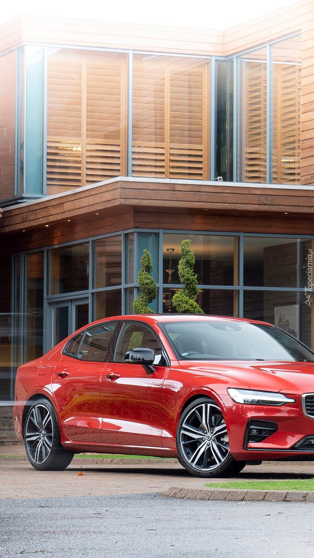 Czerwone Volvo S60